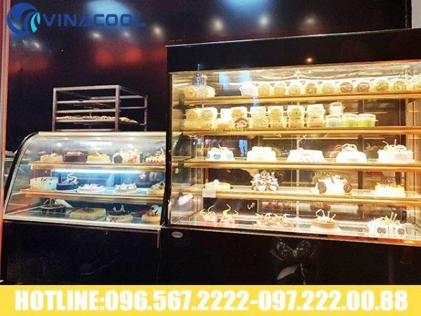 tủ trưng bày bánh sinh nhật 3 tầng kính cong