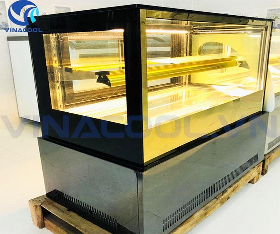 Tủ bánh kem để bàn kính vuông