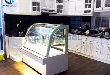 Dùng tủ trưng bày bánh kem cũ liệu có kinh tế hơn?