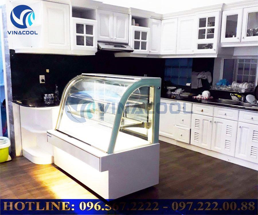 Tủ trưng bày bánh kem không lạnh phải làm sao đây?