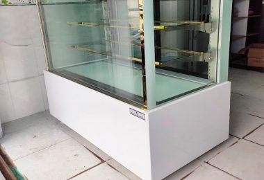 Lắp đặt thực tế tủ bánh kem kính vuông 3 tầng