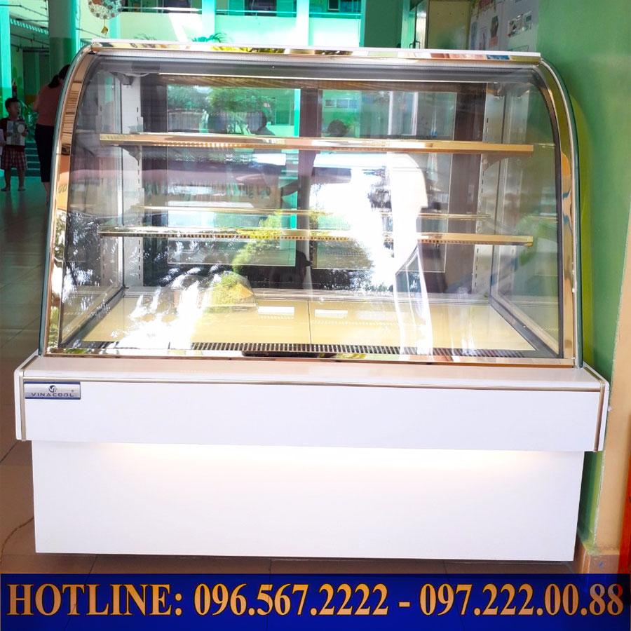 Lắp đặt tủ bánh kem kính cong Vinacool