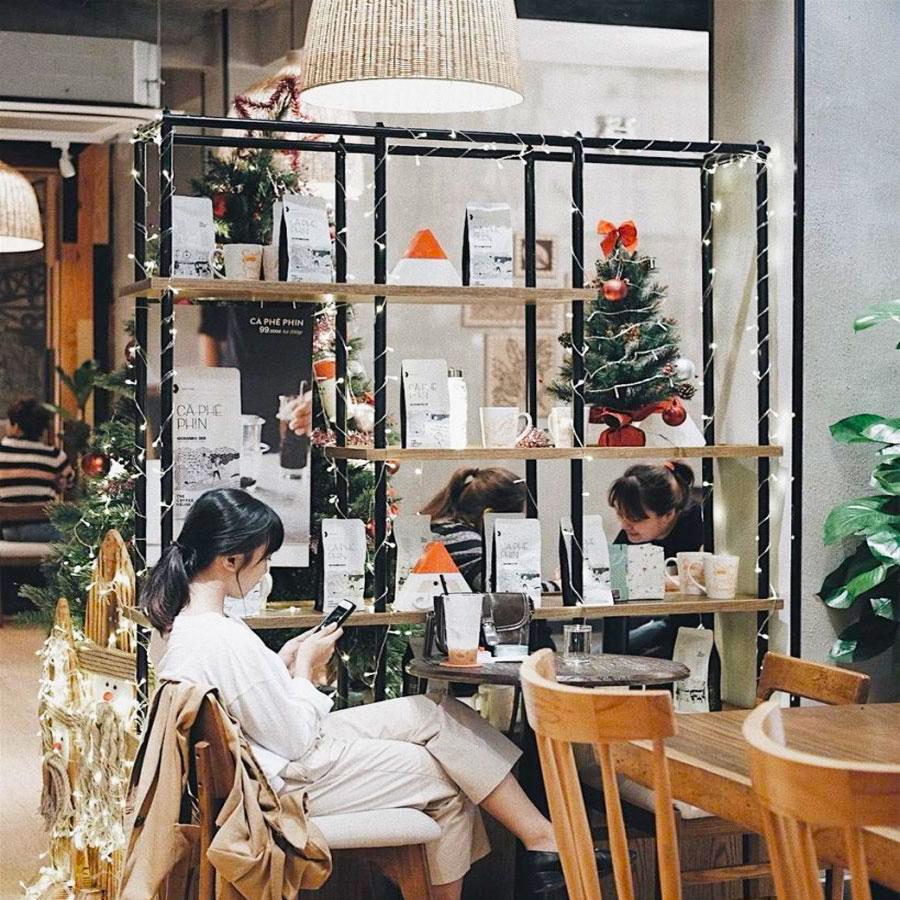 Trang trí quán cafe ngày giáng sinh